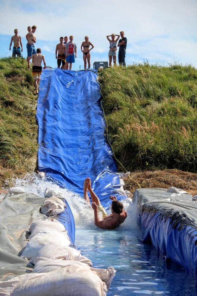 water-slide-1661332_1280